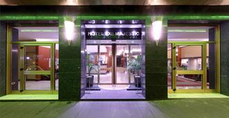 雄偉酒店 - 那不勒斯 - 那不勒斯 - 建築