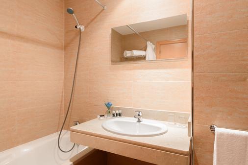 Exe Aparthotel Campus San Mames - Λεόν - Μπάνιο