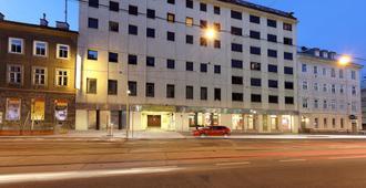Exe Vienna - Βιέννη - Κτίριο