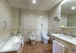 Hotel Exe Alfonso VIII - Plasencia - Bathroom