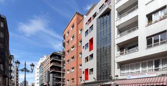 Exe Hotel El Magistral - Oviedo - Edificio