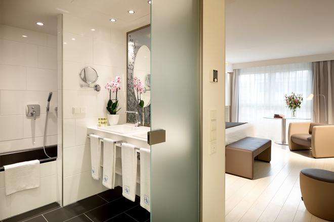 Eurostars Book Hotel - Munich - Bathroom