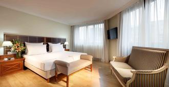 Hotel Regent Munich - München - Makuuhuone