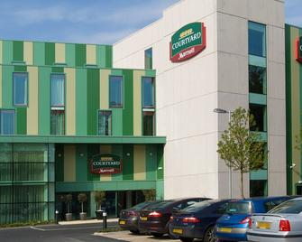 Courtyard by Marriott London Gatwick Airport - Gatwick - Building