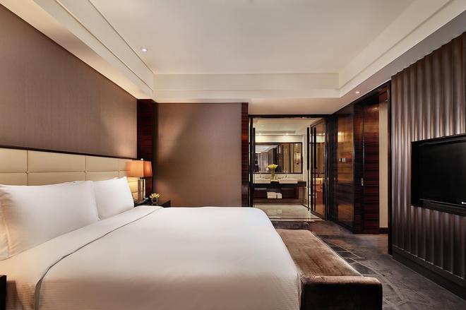 Hilton Shanghai Hongqiao - Shanghai - Bedroom