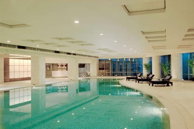 Hilton Shanghai Hongqiao - Shanghai - Pool