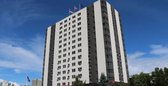 Inlet Tower Hotel And Suites - Anchorage - Building