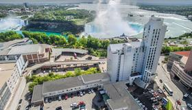 Oakes Hotel Overlooking the Falls - Niagara Falls - Building