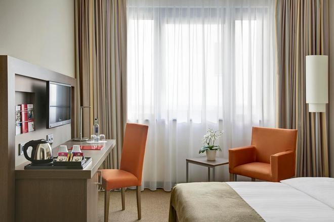 Intercityhotel Hannover - Αννόβερο - Κρεβατοκάμαρα