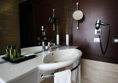 BessaHotel Boavista - Porto - Bathroom