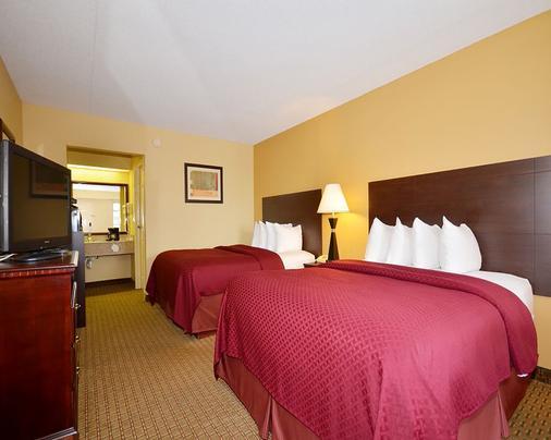 Quality Inn - White House - Bedroom