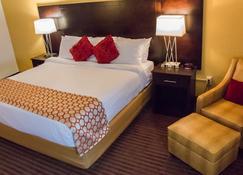 Grand Williston Hotel & Conference Center - Williston - Bedroom