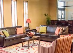 Grand Williston Hotel & Conference Center - Williston - Hành lang
