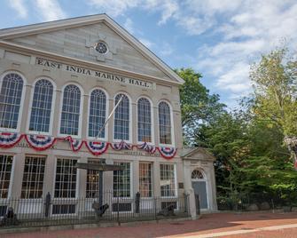 The Merchant - Salem - Building