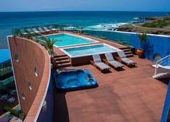 Hotel Vip Praia - Praia - Basen