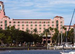 The Vinoy Renaissance St. Petersburg Resort & Golf Club - Saint Petersburg - Building