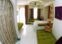 布雷薩套房酒店 - 波德倫 - 博德魯姆 - 臥室