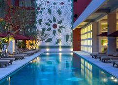 Amnaya Resort Kuta - Kuta - Pool