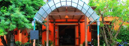 Rungaran De Challet - Cha-am - Building