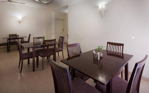 Oyo 1482 Hotel Gem 92 - New Delhi - Nhà hàng