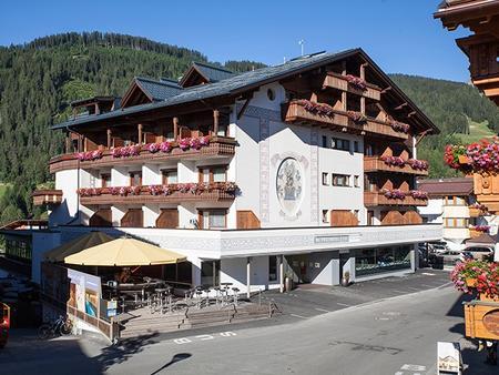 Geigers Posthotel - das Familienhotel - Serfaus - Gebäude