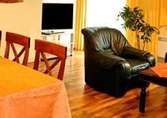 Ferienhaus Herwig Schwarzenbacher - Weissensee - Living room
