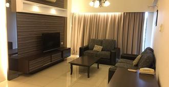 Kinta Riverfront Hotel & Suites - Ipoh - Olohuone