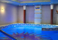 里賈納酒店 - 格拉多 - 歌德 - 游泳池