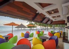 South Palms Resort Panglao - Panglao - Σαλόνι