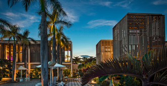 Long Beach Golf & Spa Resort - Belle Mare - Outdoors view
