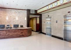 Lic Hotel - Queens - Lobby