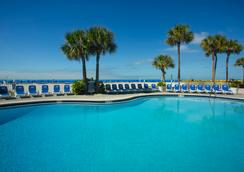 TradeWinds Island Grand Beach Resort - St. Pete Beach - Piscina