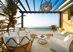 Hilton Ras Al Khaimah Beach Resort - Ras Al Khaimah - Balcony