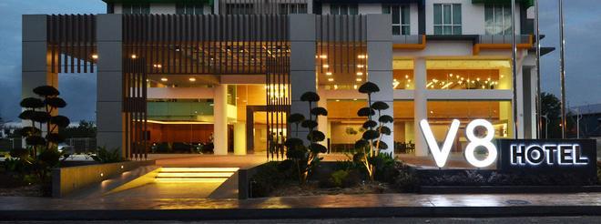 V8 Hotel - Johor Bahru - Building