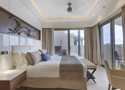Royalton Negril Resort & Spa - Negril - Bedroom