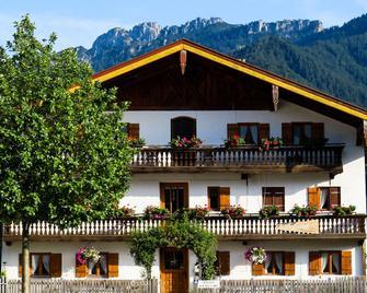 Landpension im Alten Knoglerhof - Schleching - Bygning