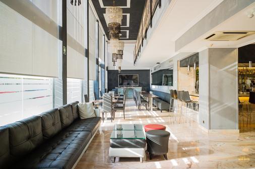 Sallés Hotel Ciutat del Prat - El Prat de Llobregat - Bar