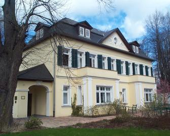 Hotel Bellevue Schmölln - Schmölln (Thuringia) - Building