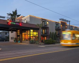Inn at Northrup Station - Portland - Building