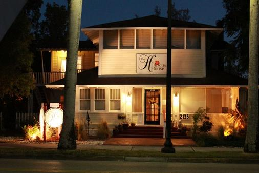 The Hibiscus House Bed and Breakfast - Fort Myers - Κτίριο