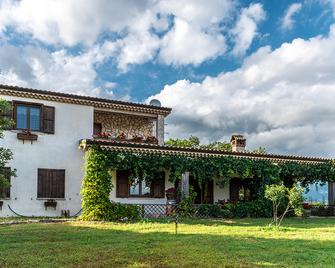The Forest House - Isernia - Gebouw