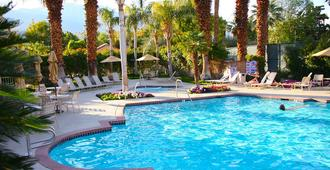 The Oasis Resort - Palm Springs - Piscina