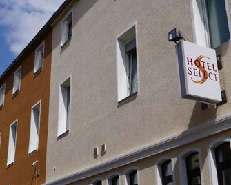 Hotel Select - Менхенгладбах - Building