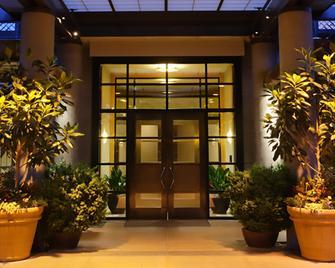 Bellevue Club Hotel - Bellevue - Building