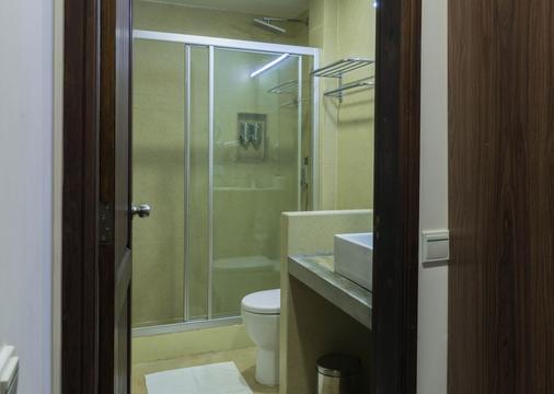 比奇伍德酒店 - 馬費雪 - 馬富施 - 浴室