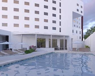 Hs Hotsson Hotel Silao - Silao - Building