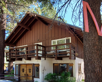 The Mammoth Inn - Mammoth Lakes - Building