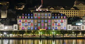Hotel Schweizerhof Luzern - Lucerna - Edificio