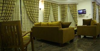 Royal marin Inn - Colombo - Living room