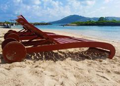 كورال فيو أيلاند ريزورت - Tavewa Island - شاطئ